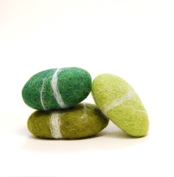 Felted Stones, Green stones wool ecofriendly decor paperweight: Green Stones, Rainbows Colors, Felt Stones, Felt Rocks, Stones Wool, Stones Green, Decor Paperweights, Wool Ecofriend, Ecofriend Decor