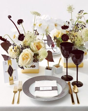 BLACK, GOLD, AND WHITE - glam!!: Tables Sets, Gold Tables, Colors Palettes, Black White, Wedding Colors, Black Gold, Black Diamonds, White Gold, Martha Stewart Wedding