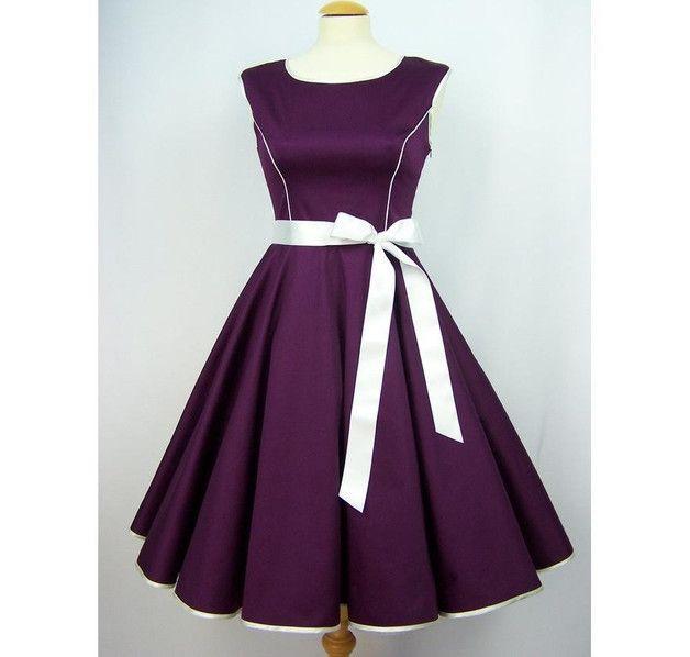 Entdecke lässige und festliche Kleider: Petticoatkleid Abendkleid lila made by charme-mode via DaWanda.com