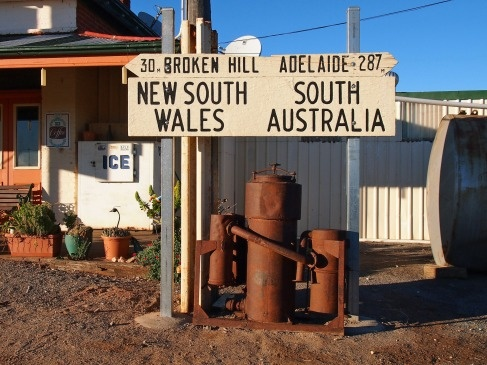 Road Trip: Day 2 - Driving across Australia - the Outback and the Nullarbor; Broken Hill, NSW to Ceduna, South Australia.