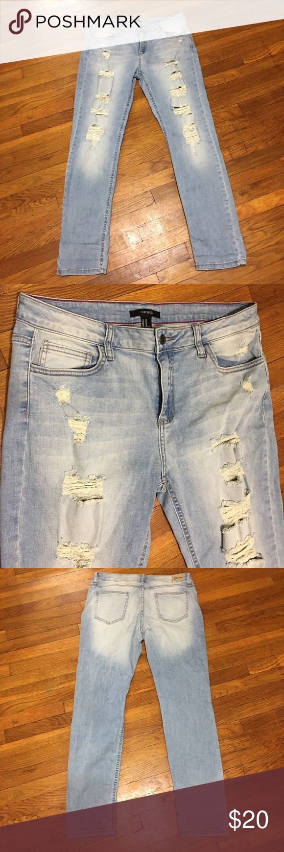 Forever 21 Ripped Women Skinny Jeans Size 30 Great Condition! 30L, front and back pockets. 👖 Forever 21 Jeans Skinny