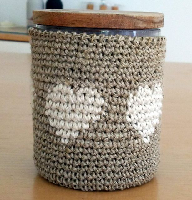 Crochet wrap for jam jar, by AM