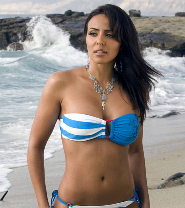 Layla El Nude - Hot Pics - Naked - Bikini - WWE Diva