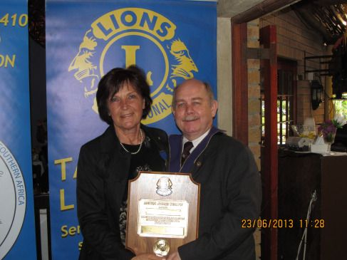 LION GISELA WEITZ RECEIVES MELVIN JONES FELLOWSHIP