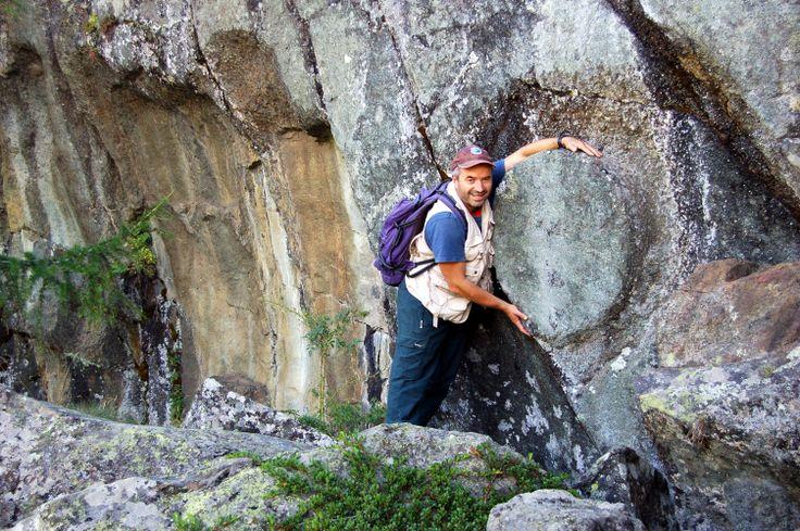 """Escursioni - ScegliLaGuida - Donato Arcaro, Guida Ambientale Escursionistica, #ValleDAosta Profilo completo """"Natura e cultura in Valle d'Aosta"""" (pag.9) : https://www.facebook.com/Escursionismoit/app_493765294042974 Escursionismo.it"""