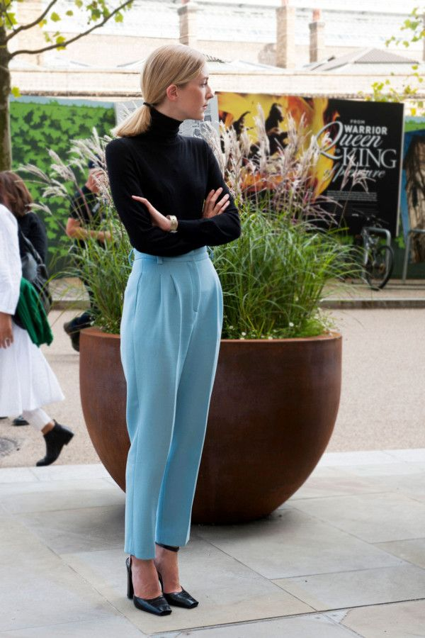 A pretty sky blue pant looks über-chic and refined when teamed with a black turtleneck and pumps.