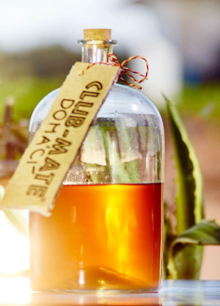 Co je ale důležitější: jde v podstatě o bylinný nápoj, který lze uvařit doma vcelku rychle a snadno. A díky tomu, že obsahuje matein a guaranu, je velmi dobrý při nervovém vypětí či depresích. Společná kombinace bylin také pozitivně podporuje úbytek váhy.