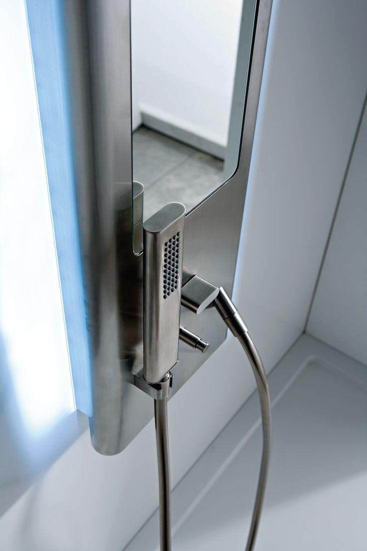 Ce colonne de douche avec mitigeur et douchette main de la collection de ro - Colonne de douche de qualite ...