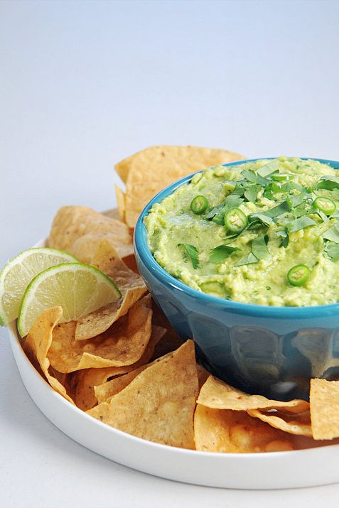 8 Dietitian-Approved Snacks For Your Super Bowl Party