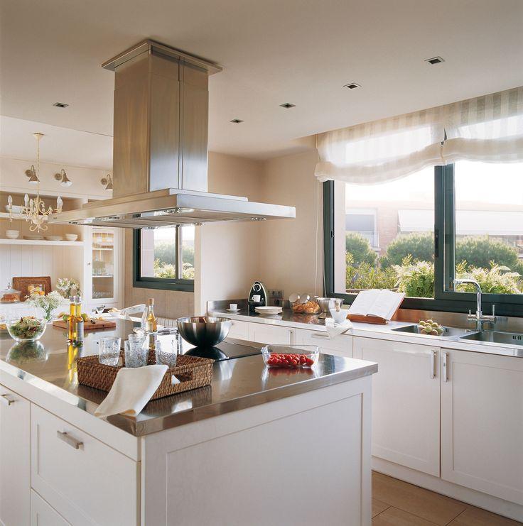 Cocinas en blanco: luz, amplitud y belleza
