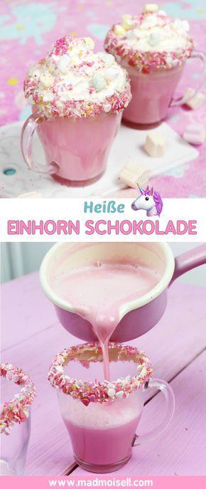 Heiße Einhorn Schokolade selber machen – einfaches Rezept! Heiße Einhorn Schokolade in pink lässt sich schnell und einfach selber machen, ich verrate dir nämlich mein ultimatives Lieblingsrezept für Einhorn Schokolade! Klicke hier, um zum heiße Einhorn Schokolade Rezept zu gelangen!