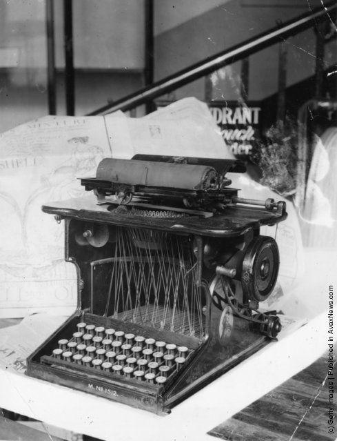 Photos Anciennes: L'évolution de la dactylographie  - Frawsy