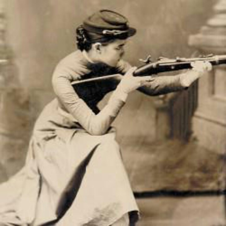 US Civil War riflewoman