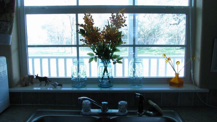 26 Windowsill Decoration Ideas: Best 25+ Kitchen Window Sill Ideas On Pinterest