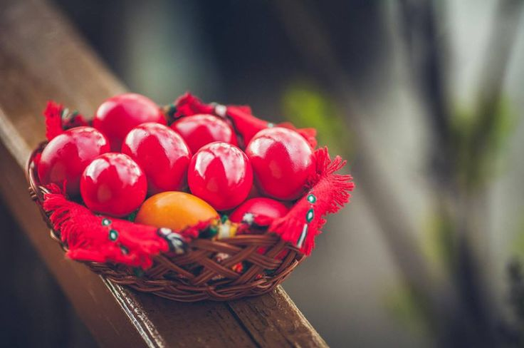 Romanian traditional Easter eggs. Credits to Mihai Trofin  #easter #color #redeggs #happy #holidays