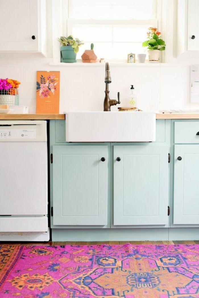 repeindre ses meubles de cuisine en couleur pastel, joli tapis ethnique