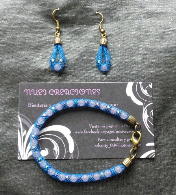 Pendientes y pulsera de malla azul y piedras naturales
