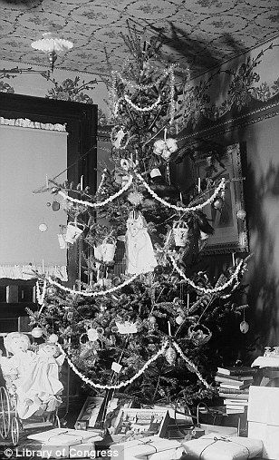 30 best images about victorian christmas christmas tree for How did the christmas tree tradition start