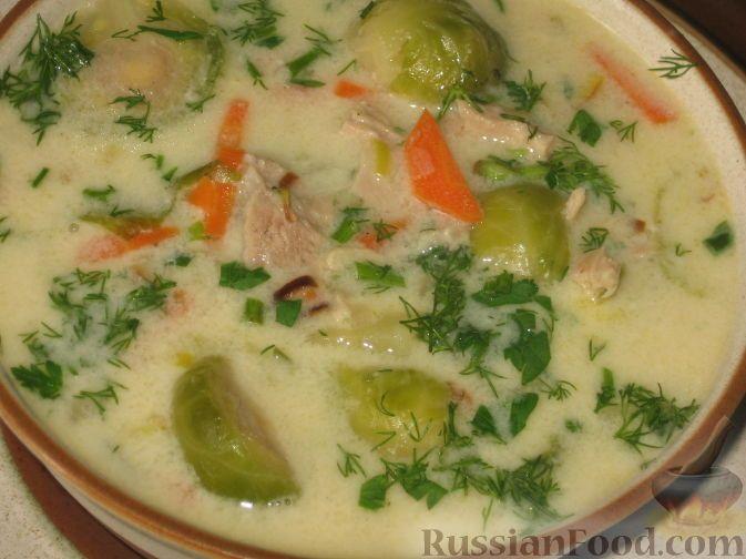 Фото приготовления рецепта: Суп с брюссельской капустой и сливками - шаг №4