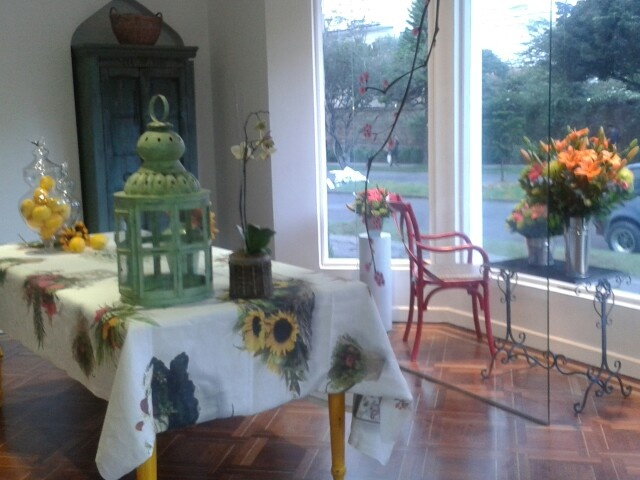 Nueva sede Hana Flores con diseño!  www.hana.com.co