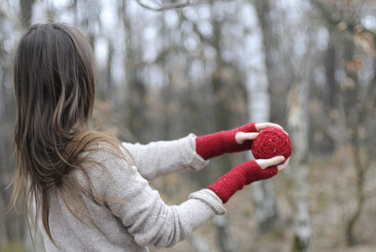 the girl with a red hand