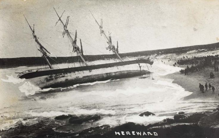 Wreck of the Hereward off Maroubra. Courtesy of the Randwick District Historical Society and Randwick City Library