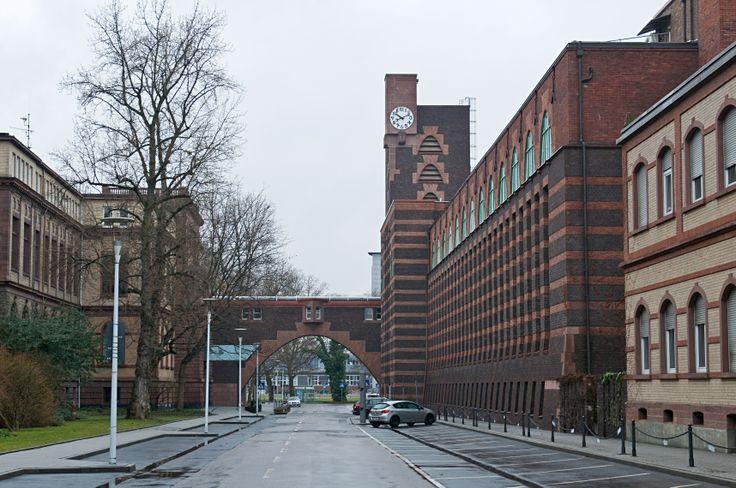 Peter Behrens - Industriepark Höchst, Bruecke Turm Osten