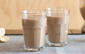 Weet-Bix Wake-Up Shake With all the goodness of bananas, dates and Weet-Bix, the Weet-Bix Wake-Up Shake delivers iron and energy to help kick-start your morning.