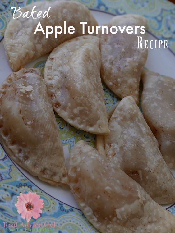 Super easy apple turnover recipe. This recipe is so delicious and perfect for breakfast and snack. You can make lots, just freeze and heat up in the microwave
