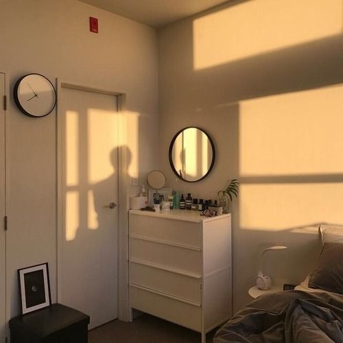 #goals #mirror #brown #sunshine #sun #pale #room #aesthetic #tumblr #tan  https://weheartit.com/entry/301165851?context_page=121&context_type=explore