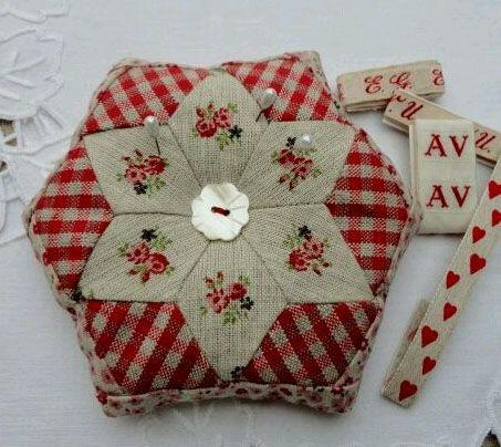 Diamond Hexie Pincushion | Fabric Ideas | Pinterest | Blog ...