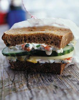 Käse-Gemüse-Brote - Gesundes Frühstück für jeden Tag - [LIVING AT HOME]