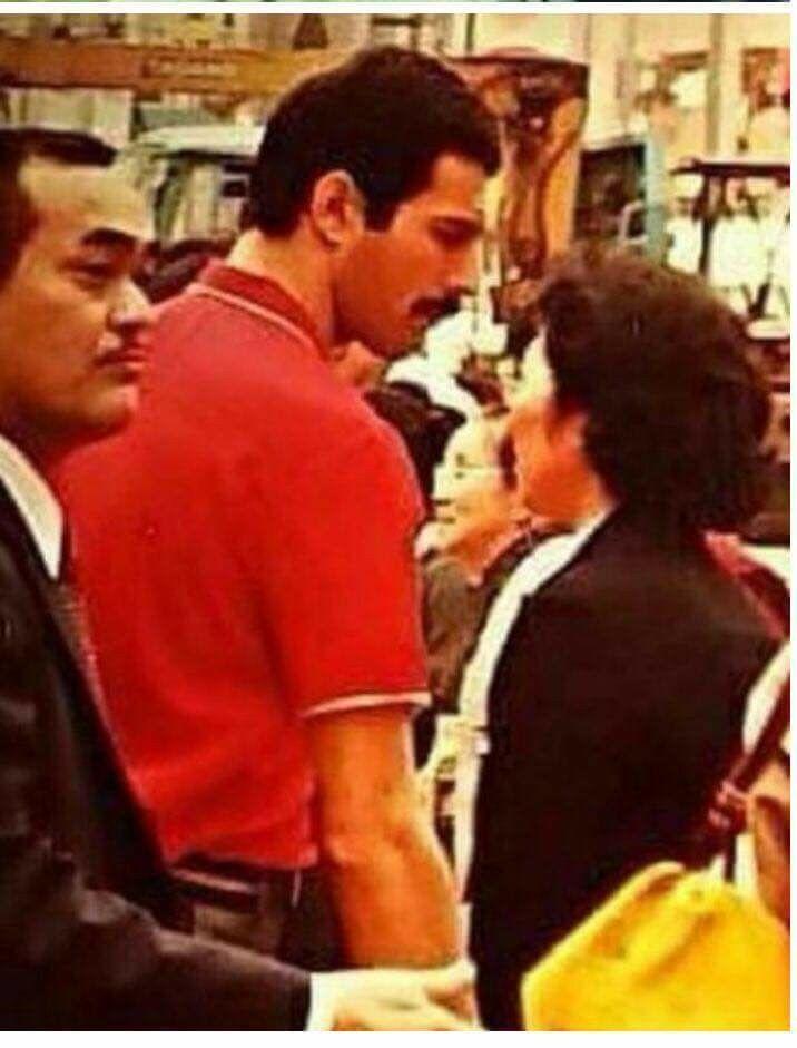 New photo! Freddie Mercury Japan'82.