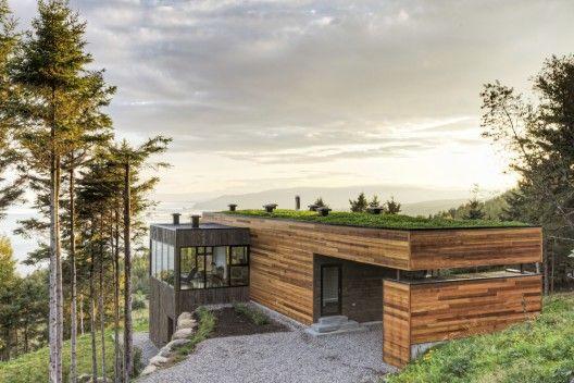 Les Terrasses Cap-á-l'aigle: Where Architecture and Nature Connect / MU Architecture