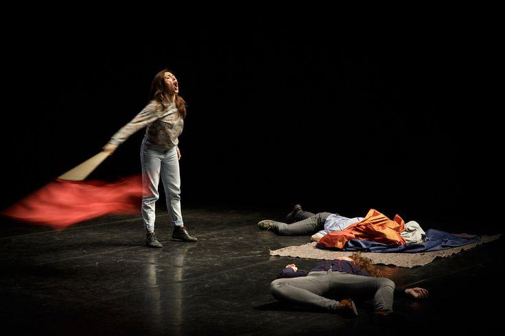 Ivana Müller - Edges  Dans le cadre du Festival 100%   © Christophe Raynaud de Lage
