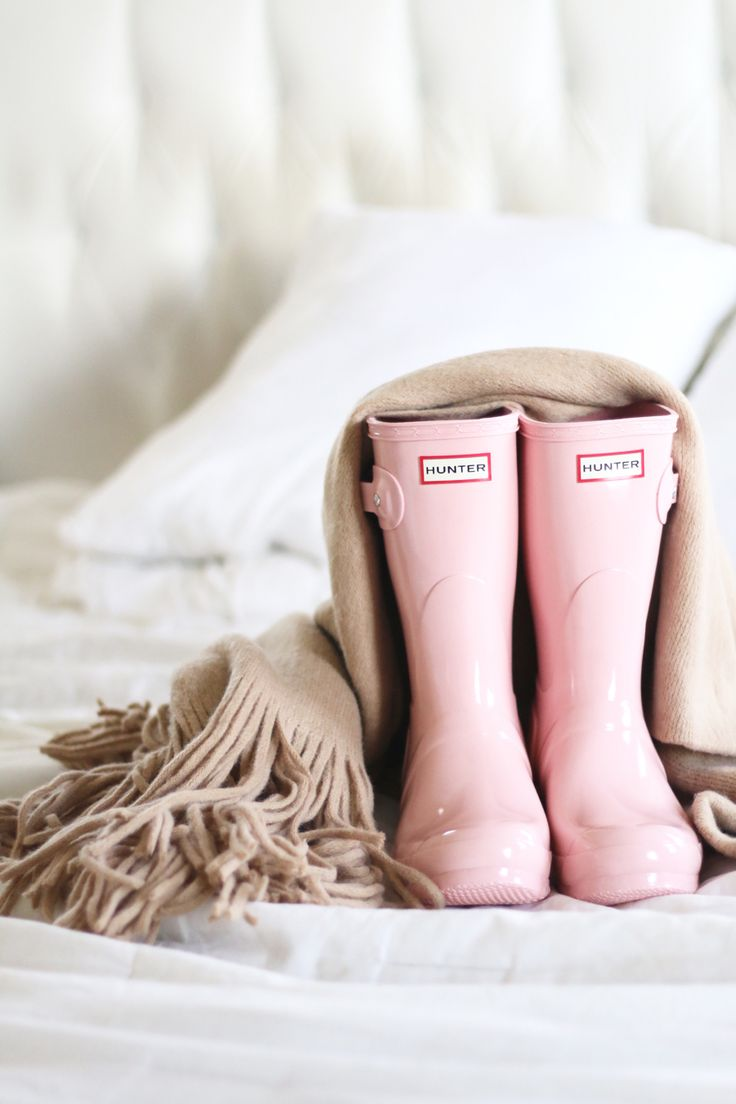 Pink Hunter boots and cozy scarf = perfect cold weather combo! [BrittanyMaddux.com]