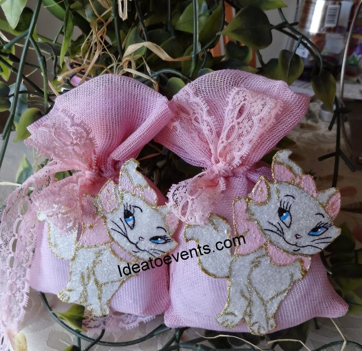 Little handmade pieces of art! Aristocat Christening favors by ideatoevents.com