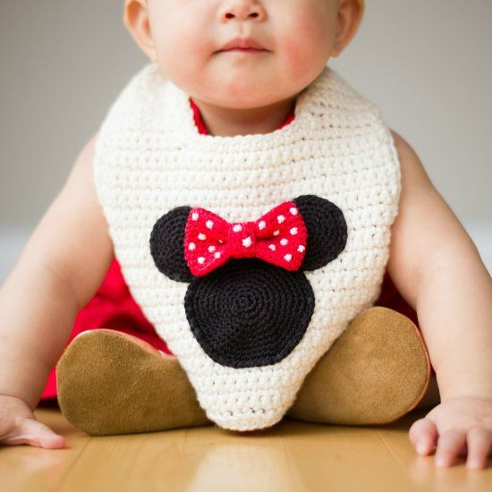 Crochet this minnie mouse basic bib that provides great coverage make