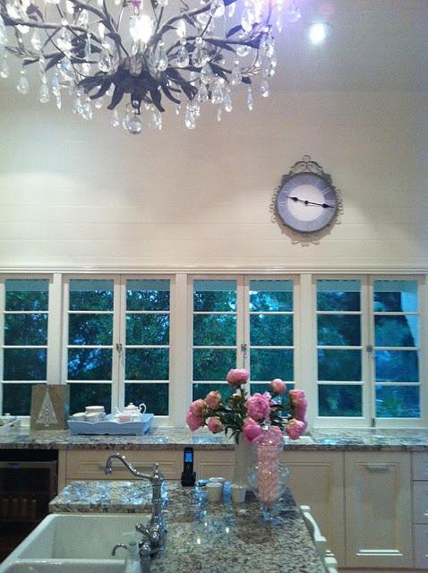 No upper cabinets, just windows