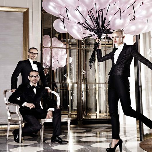 Viktor & Rolf - Flower bomb event http://www.dorchestercollection.com/en/paris/le-meurice