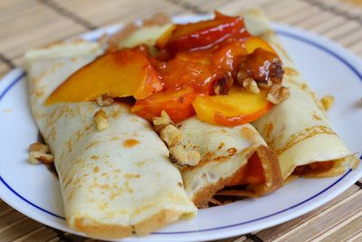 made these tonight.... OMG yumLiv Life: Peach Crepes