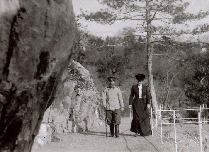 Nicholas & Alexandra walking at Livadia