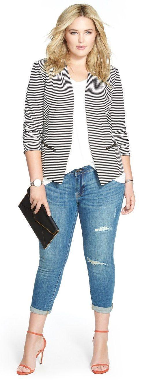 ¿Quien dijo que las mujeres llenitas no podemos usar rayas horizontales? Prueba este look casual con un blazer a rayas #PlusSize Knit #Jacket #stripes