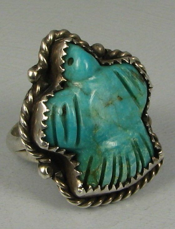 Charming Zuni Carved Turquoise Bird Fetish Ring