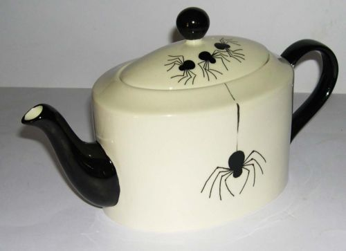 Gitte Gibbons Pottery Studio Teapot (Powerkraut Lounge)
