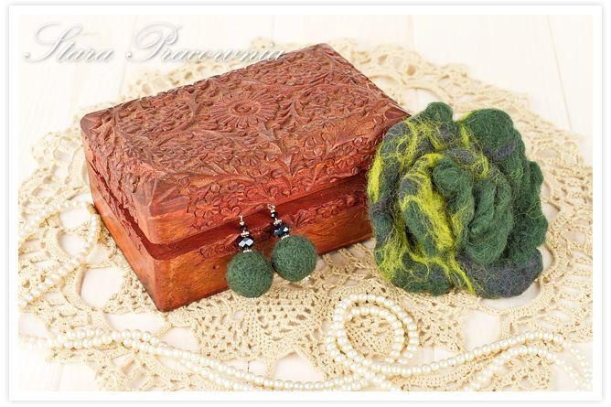 filcowana biżuteria, filcowana broszka, filowane kolczyki, filcowanie na mokro www.starapracownia.blogspot.com www.facebook.com/starapracownia