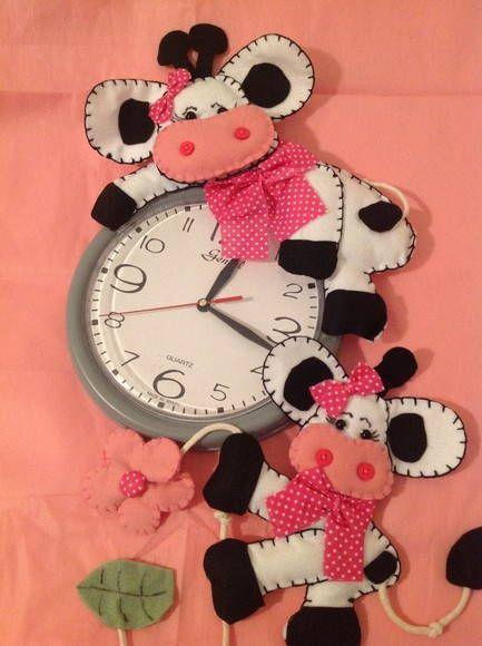 Relógio de cozinha vaquinha. faço em outras cores e modelos R$ 40,00