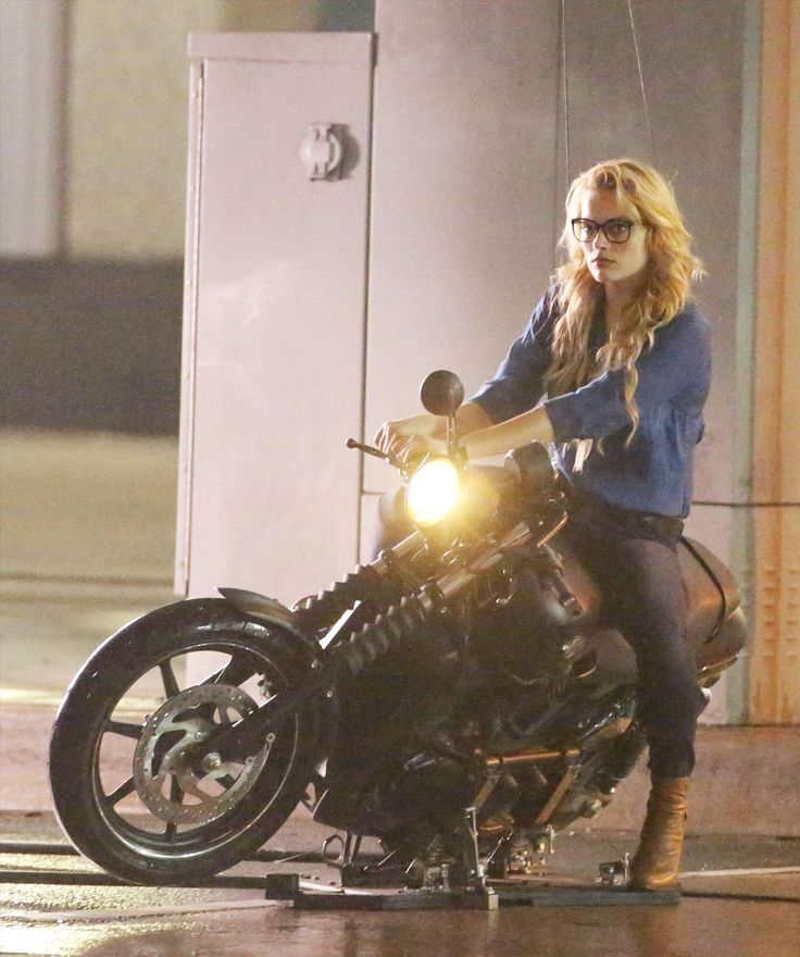 Margot Robbie's 'Harleen Quinzel' Does Motorbike Stunt In SUICIDE SQUAD Photos And Video