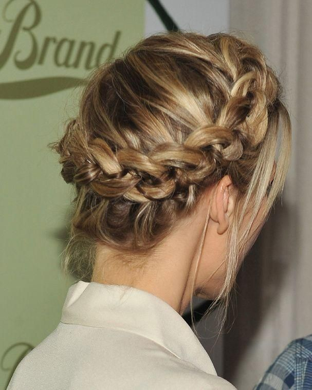 50 Hairstyle Ideas For Christmas Eve In 2020 Hair Styles Braided Hairstyles Braids