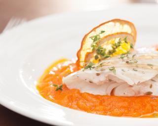 Papillote de poisson blanc à l'orange : http://www.fourchette-et-bikini.fr/recettes/recettes-minceur/papillote-de-poisson-blanc-lorange.html